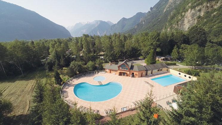 Camping le belledonne bourg d 39 oisans franz sische alpen - Camping la piscine bourg d oisans ...